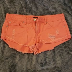 Forever 21 ladies size 27 distressed coral shorts